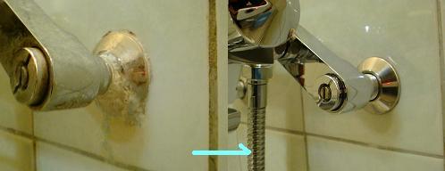 シャワー蛇口